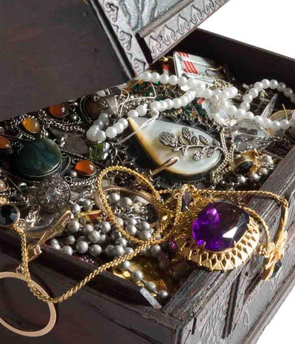 Gold und Schmuck aus Erbschaften verkaufen